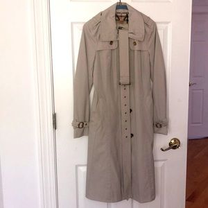 BURBERRY TRENCH COAT SMALL